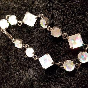 bracelet with round and rectangular gems